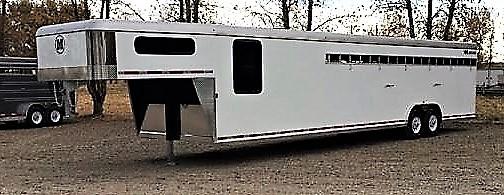 2018 Mustang 8′ x 35′ 8-10 Horse Gooseneck Stock Combo