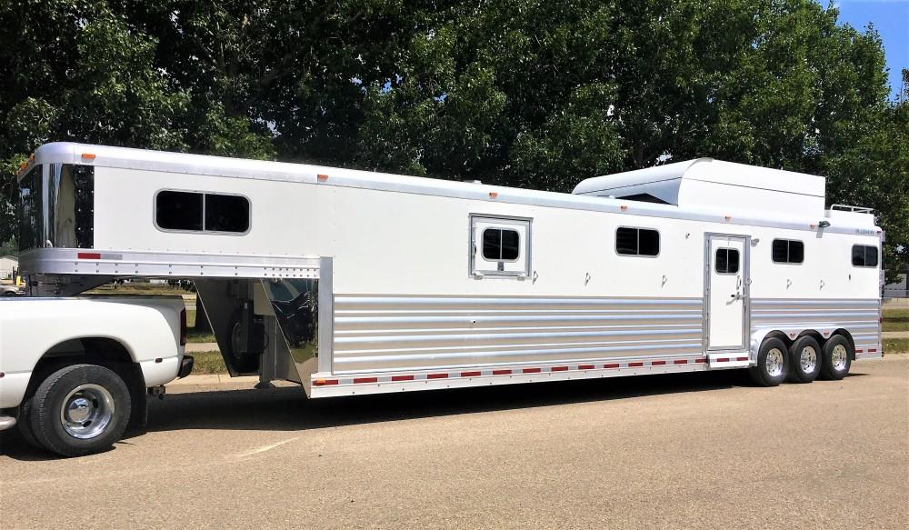 Platinum Coach 6 Horse Head to Head Gooseneck
