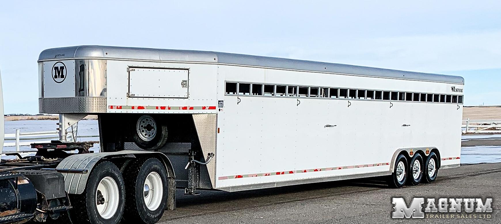 2014 Mustang 8′ x 36′ Gooseneck Stock Trailer