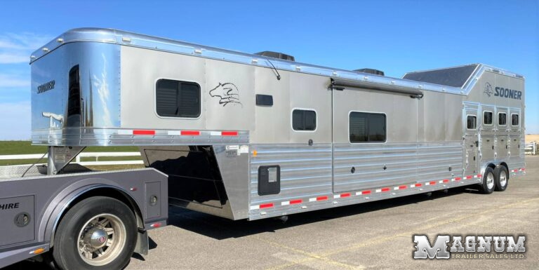 2016 Sooner 4 Horse Reverse Haul Living Quarters – 19′ Short Wall & Double Slides