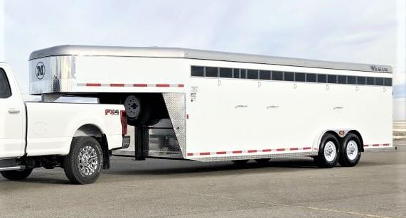 Mustang Aluminum Skin Stock Trailer 7'6″ X 24′ Gooseneck