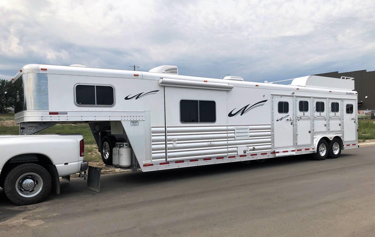 Platinum Coach 3 Horse Living Quarters