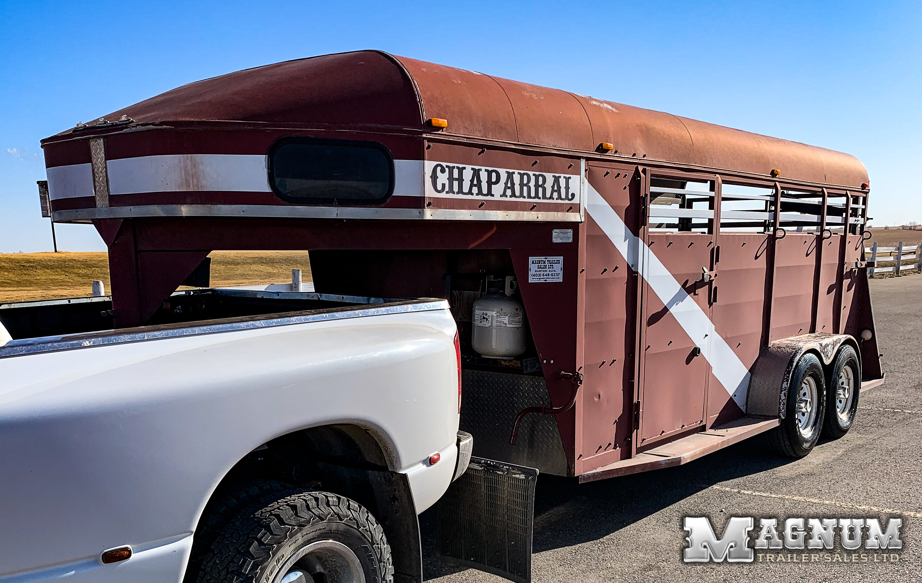 "2004 ""High Chaparral"" 16′ Gooseneck Stock Combo w/ Weekender Package"